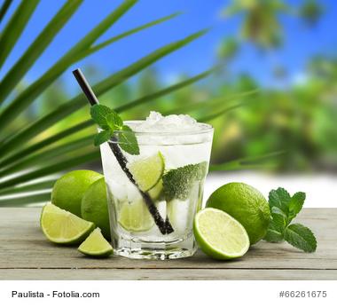 Cocktail mit weißem Rum